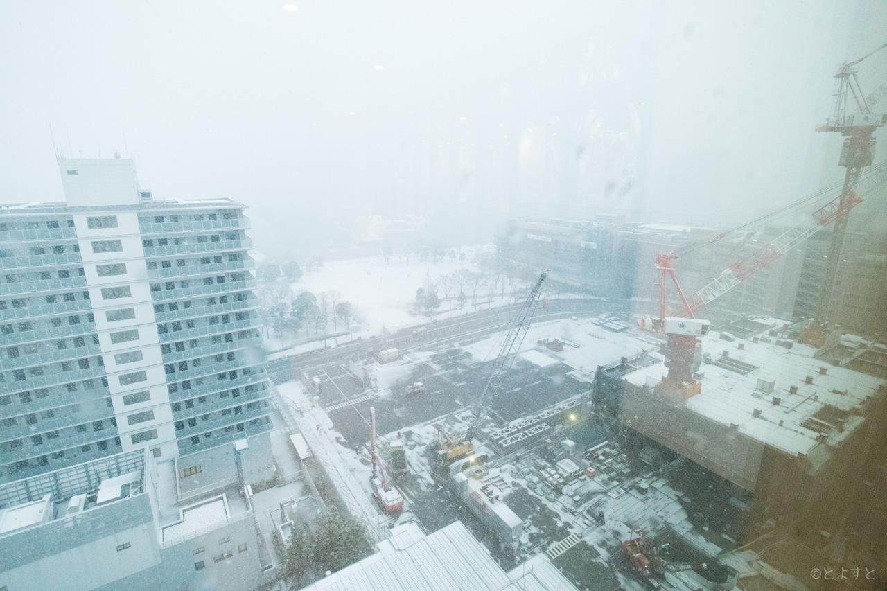 レインボーブリッジ、雪の影響で封鎖されました。東京都港湾局